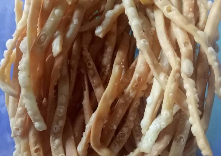 Kue bawang recook resep Oishii Kukie (Listya)