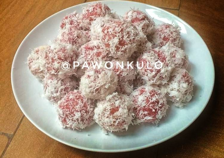 Klepon Buah Bit Praktis (Beetroot Klepon)