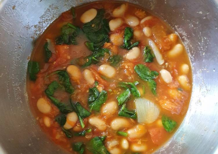 Chunky Tomato based Soup, Help Your To Be Healthy And Strong with The Right Foods