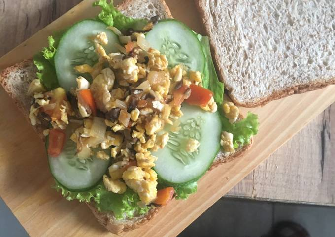 Breakfast Roti Gandum ala-ala 😁