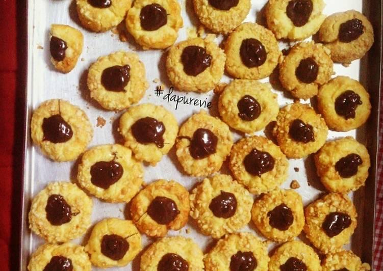 Peanut choco thumbprint cookies