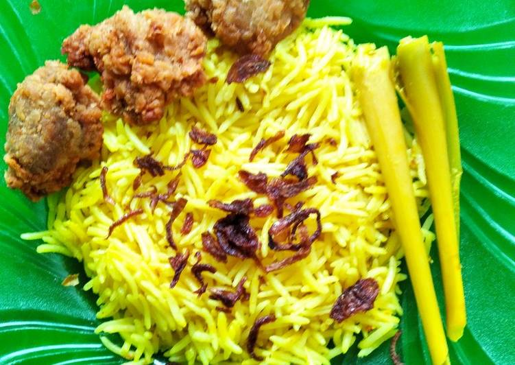 Nasi kuning basmati magic com