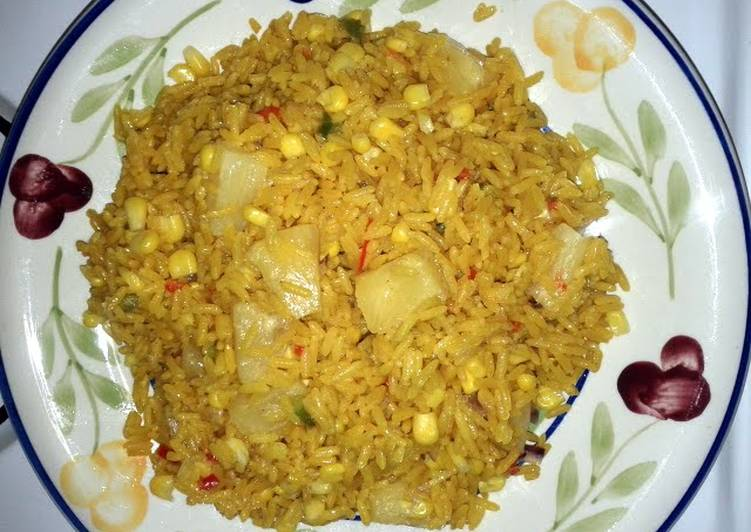 Yellow rice Salad with Pineapples