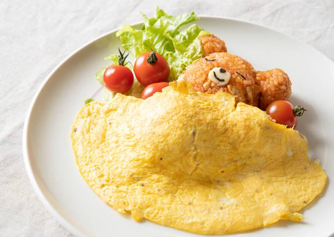 Kawaii♥ Sleeping Bear Omurice(Omelette with Fried Rice)