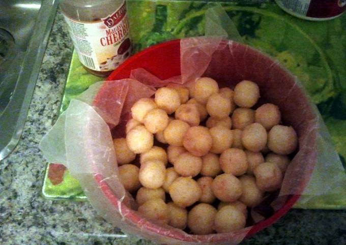 Yummy cherry balls