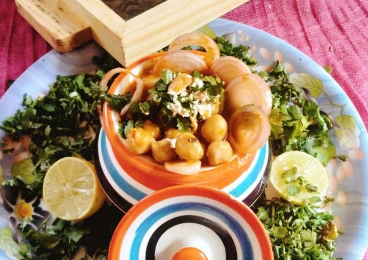How to Prepare Favorite Lahore's famous,chikpeas curry