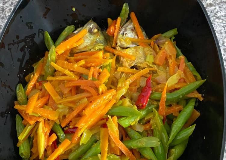 Acar kuning ikan kembung