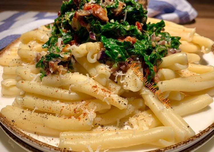 Pasta mit Spinat in Sahnesoße