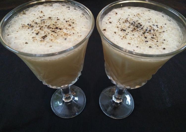 Recipe of Homemade Horlicks+Banana Smoothie