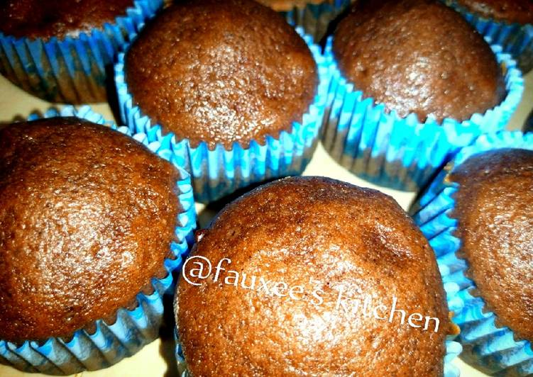 Recipe of Any-night-of-the-week Oil chocolate cupcakes