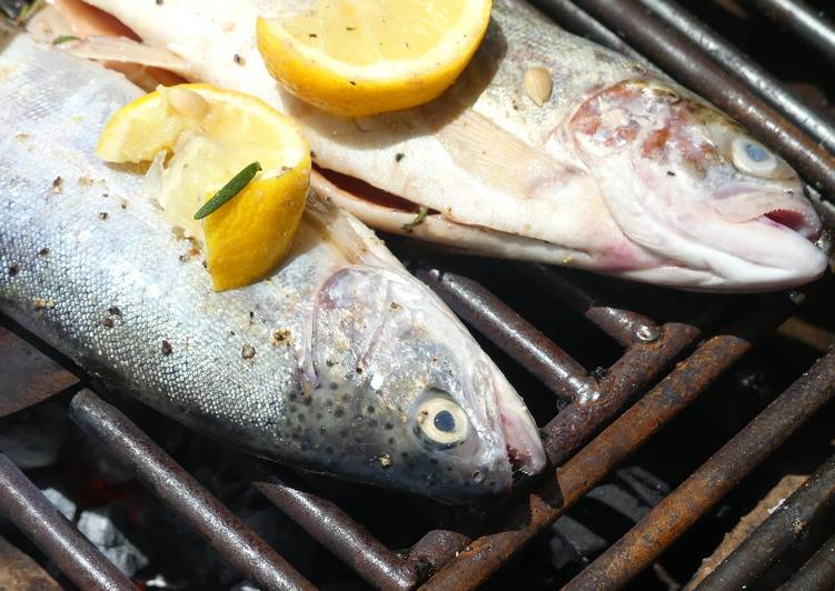 How to Prepare Homemade Grilled garlic butter and lemon fresh lake trout!