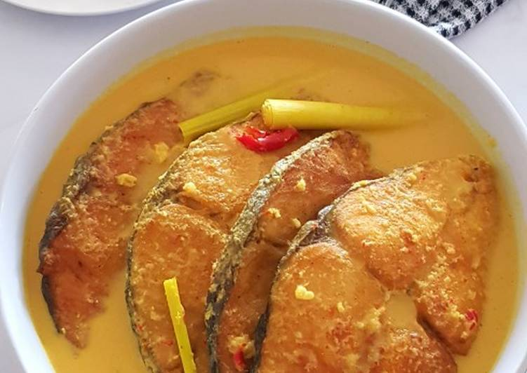 Foods That Make You Happy Spanish Mackerel in Spicy Coconut Cream