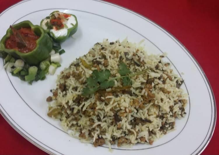 Step-by-Step Guide to Prepare Quick Spring Onion Kheema Biryani