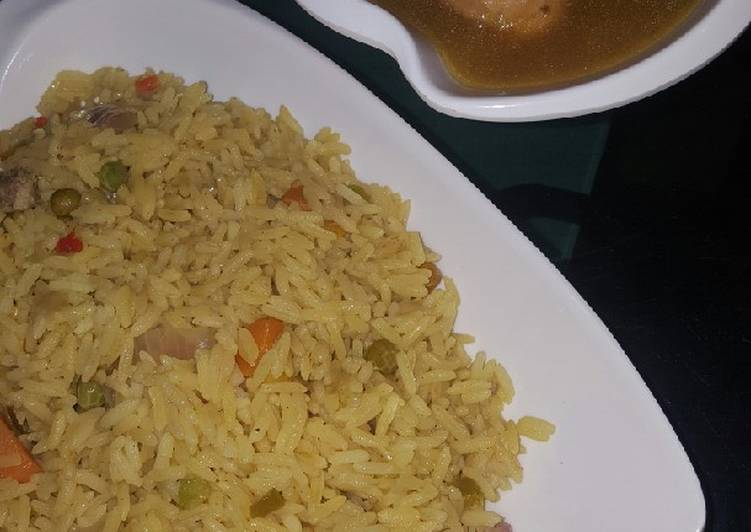 Recipe of Top-Rated Fried Rice & chicken gravy