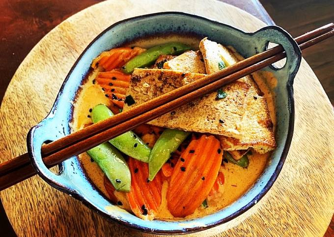 Thai Red Curry Coconut with Pan Fried Tofu, Snap Peas & Carrots over Rice