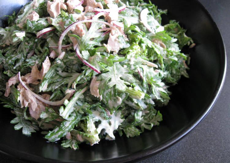 Recipe of Speedy Shungiku (Edible Chrysanthemum) & Tuna Mayo Salad