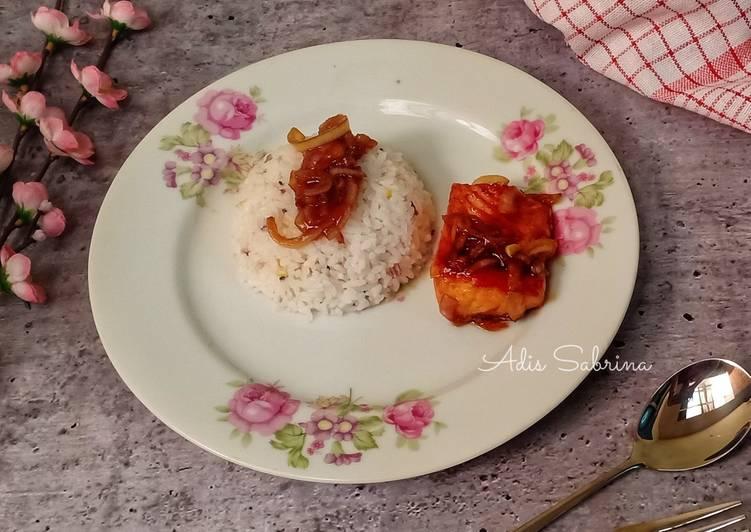Steak salmon saus teriyaki