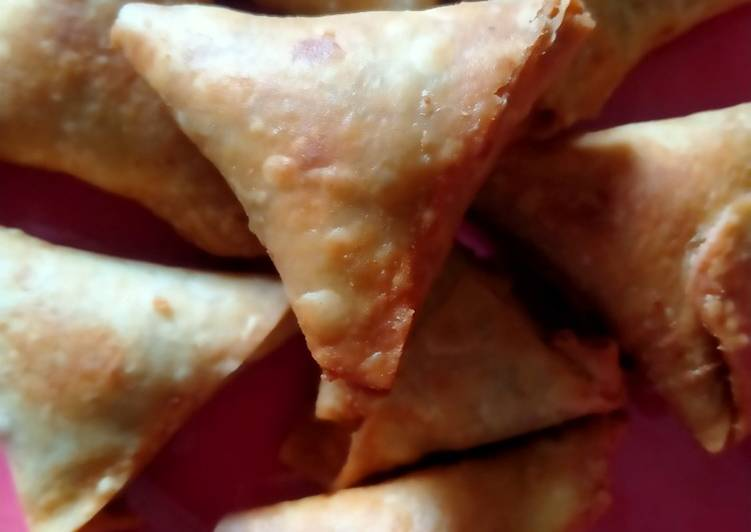 Deciding On The Best Foods Can Help You Stay Fit And Also Healthy Onion Samosa