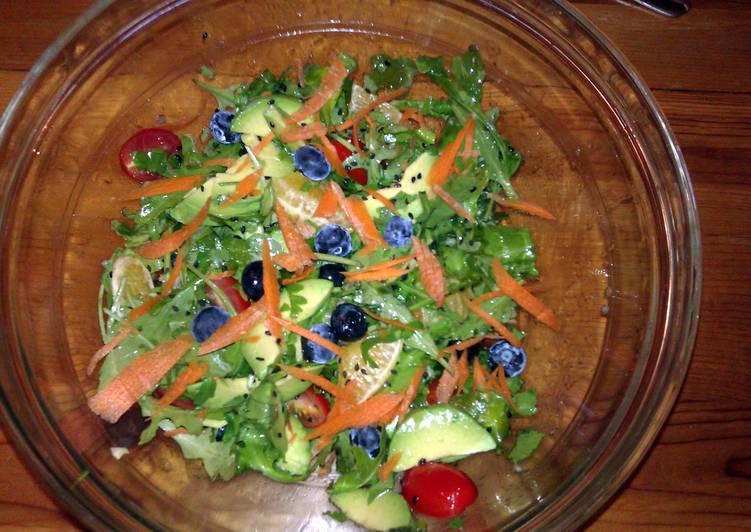 How to Prepare Speedy Citrus avocado and arugula salad with fresh ginger