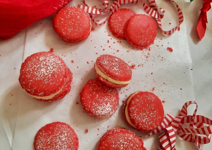 Christmas French Macarons with Lemon Buttercream Frosting
