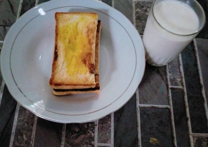 Langkah Mudah untuk Menyiapkan Roti bakar 😋 yang Lezat Sekali