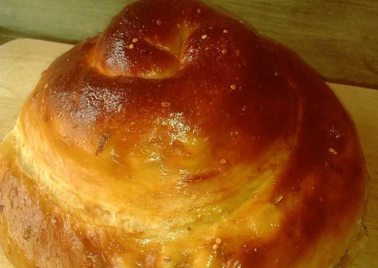 Pan briochecon queso, ligeramente picanteen panificadora
