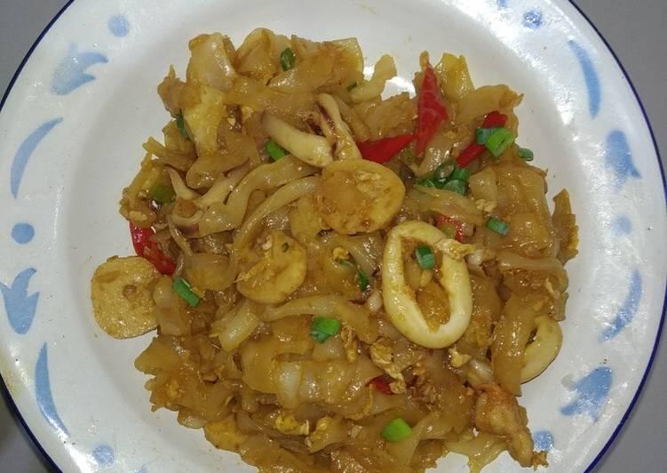 43. Kwetiaw Goreng Seafood