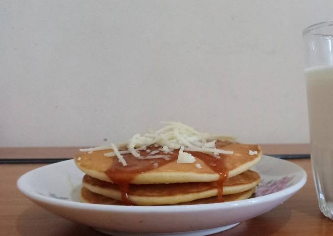 Buttermilk Pancake with Caramel and Cheese Topping
