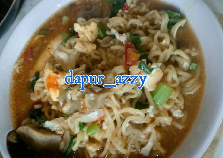 Resep Mie Instan (Indomie Goreng) Kuah Special Terenak