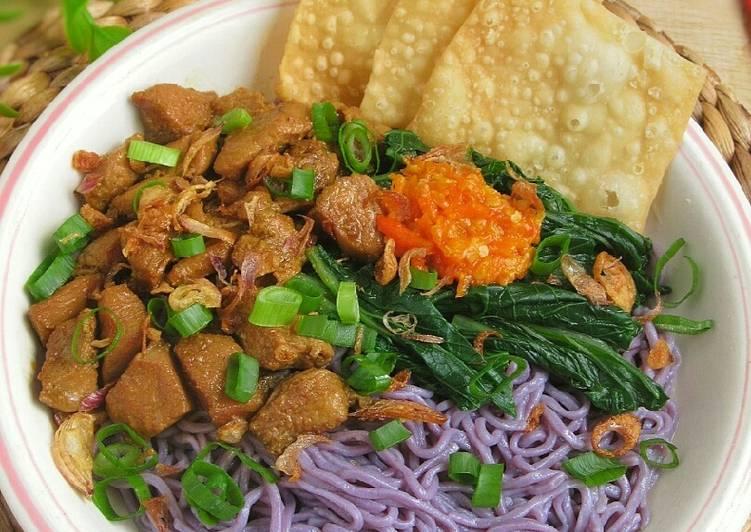 Resep Mie Ayam Ubi Ungu yang Lezat