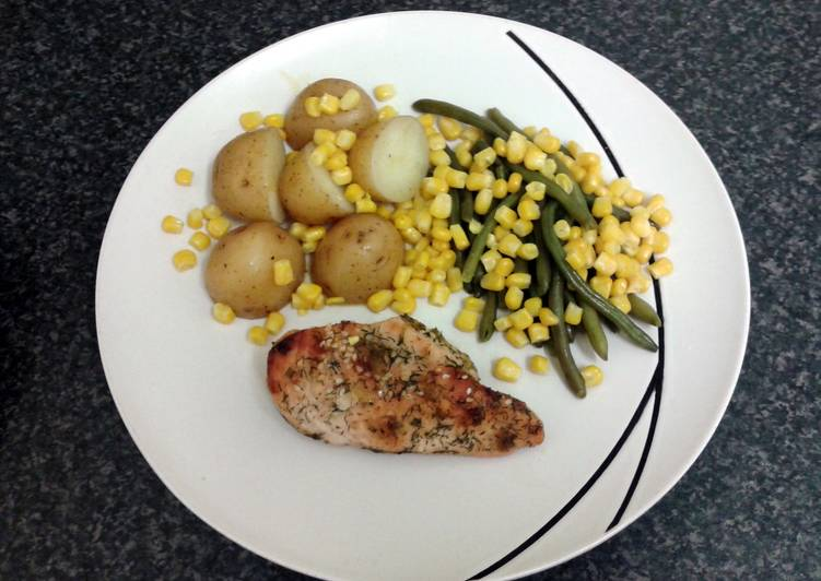 spring onion & herb chicken with new potato's & vegetables (serves 2)