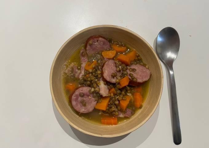 Soupe carottes,lardons fumé et saucisse fumé
