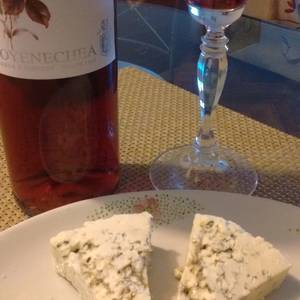 Merlot rose & queso azul