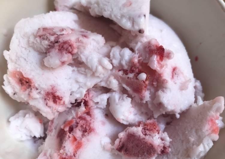 Resep Ice Cream Strawberry Simple Oleh Restu Latifah Cookpad