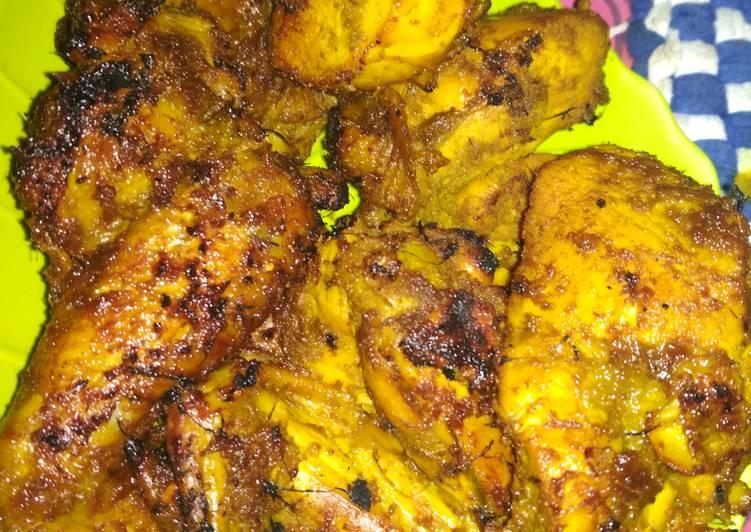 Resep Ayam bakar bumbu ungkep oleh Enida Ekayana - Cookpad
