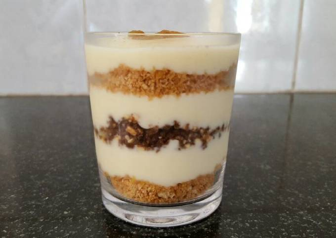 Layered custard dessert