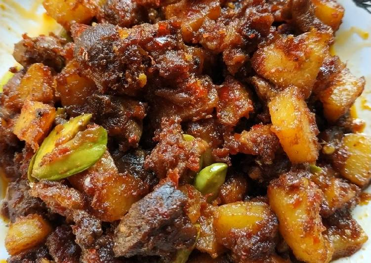 Sambal ati ampela kentang