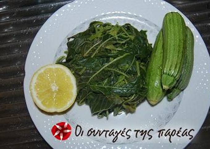 Salad with amaranth greens, zucchinis and potatoes