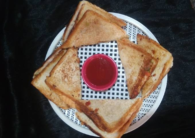 Onion and tomato sandwich