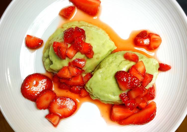 Avocado and banana ice cream with  marinated strawberry