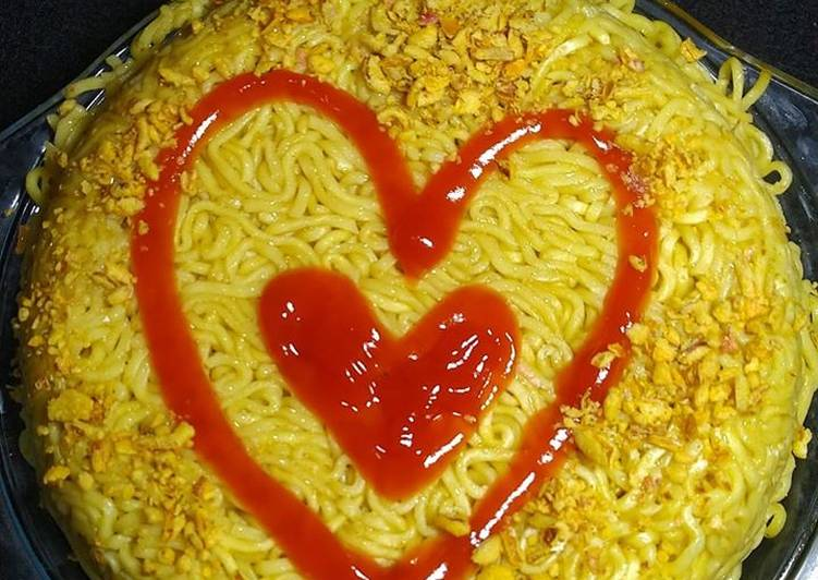 "Easiest Way to Prepare Yummy Instant Noodle ""Cake"""