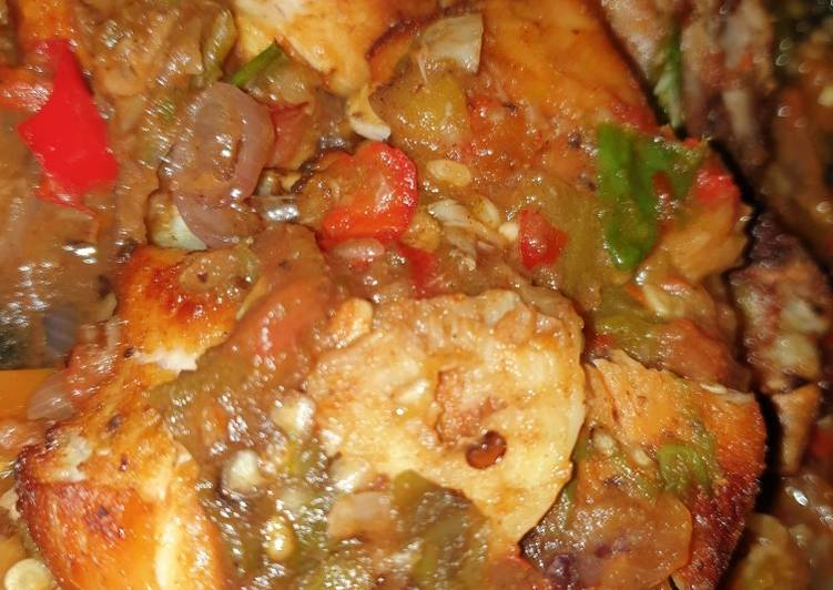 Ayam goreng sambal penyet