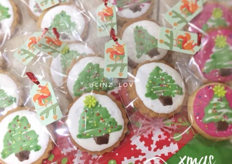 Xmas Cookies enak renyah - icing cookies - cookies natal - resep cookies mudah - kue natal lucu - cookandrecipe.com