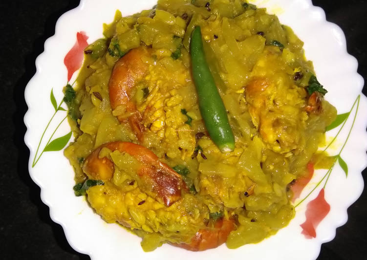 Recipe of Favorite Bottle Gourd and Prawn curry
