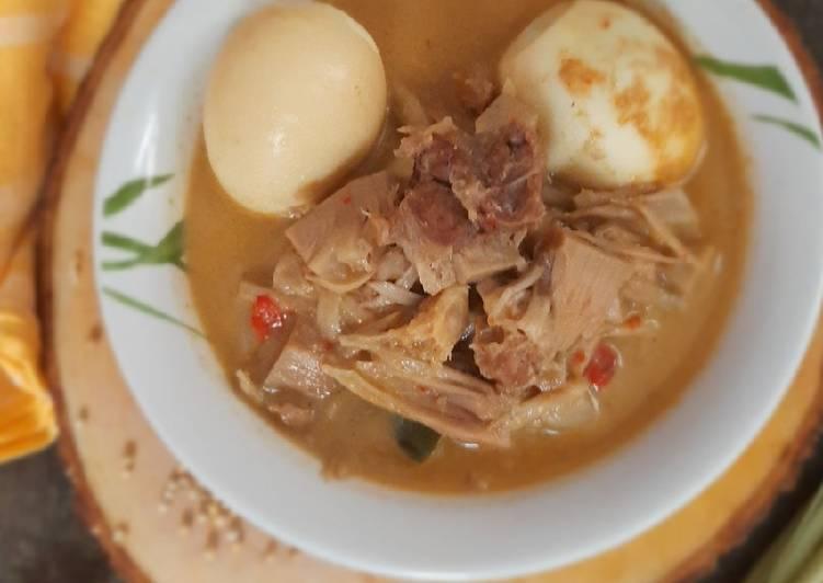 Gudeg nangka khas yogyakarta