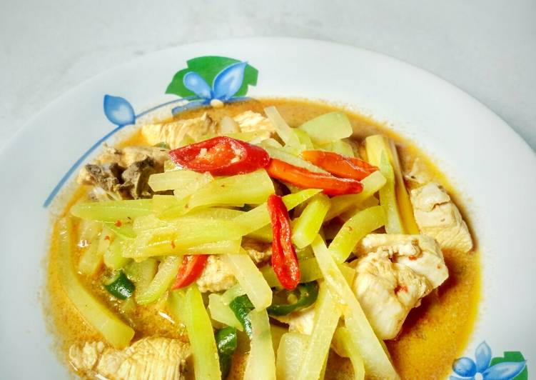 Sambal Goreng Labu Siam dan Ayam