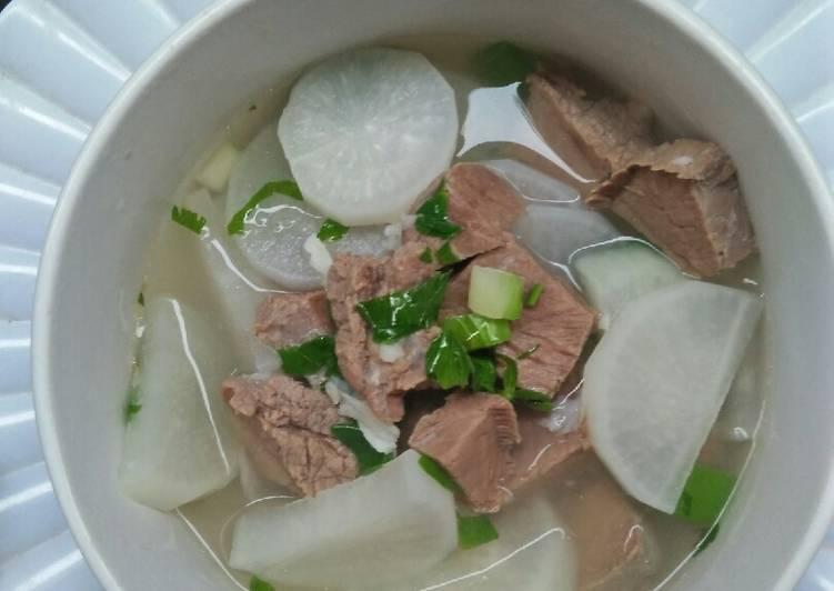 Sup Lobak Sapi Bening