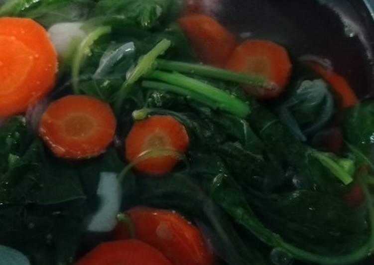 Sayur bening bayam + wortel