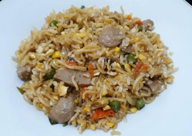 Nasi Goreng Mawut bawang putih! (Pakai indomie goreng)