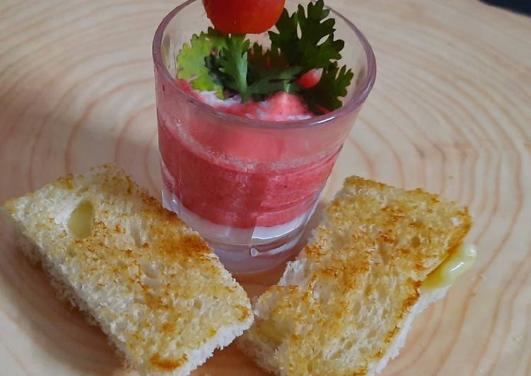Steps to Prepare Any-night-of-the-week Tomato beetroot soup shooter with cheese bread